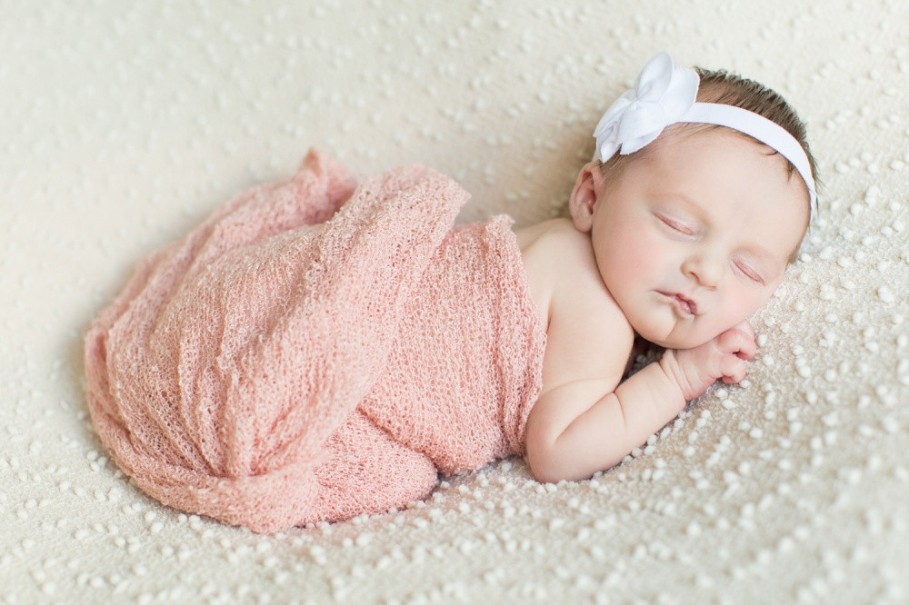 Philadelphia Newborn Photographer | Samantha Jay Lifestyle | Ellie Jean
